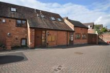 2 bedroom Barn Conversion to rent in West Street, Warwick