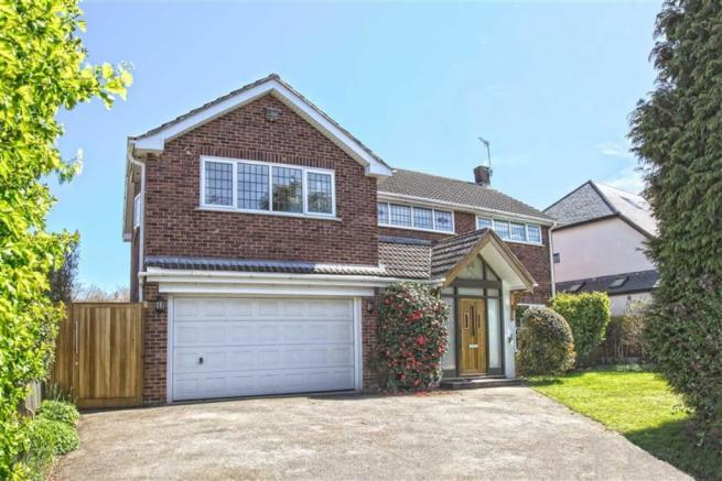 4 bedroom detached house for sale in cloister way for Modern homes leamington