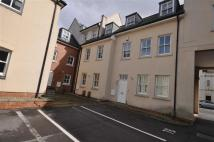 3 bed Town House in Clarendon Avenue...