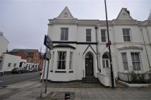 3 bed Flat to rent in Clarendon Avenue...