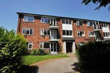 Flat to rent in Pembroke Court...