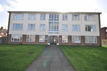 Flat to rent in Murcott Road East...