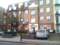 Flat to rent in Memorial Avenue, London...
