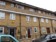 3 bedroom Ground Flat to rent in Rainhill Way, London, E3