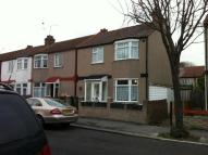 3 bed Terraced home to rent in Heath Road...
