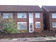Flat to rent in Edgar Road...