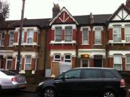 Ground Flat to rent in Colchester Avenue...
