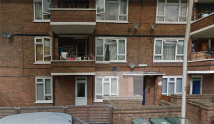 Flat to rent in WREN CLOSE, London, E16