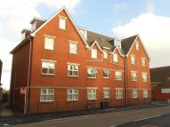 2 bedroom Flat in Seabourne Road...