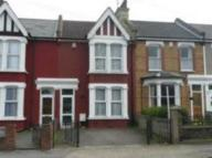 4 bed house in Dashwood Road, Gravesend...