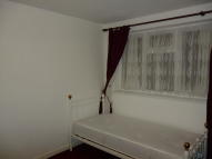 1 bed Studio flat to rent in Sutherland Road, London...