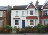 Woodside Green Ground Flat to rent