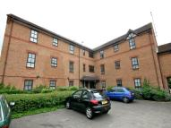 2 bedroom Flat to rent in Albany Walk, Woodston,