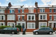 2 bedroom Flat to rent in Beversbrook Road, London