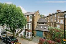 4 bedroom End of Terrace house for sale in Hugo Road, London