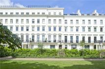 1 bedroom Flat in Hyde Park Gardens...