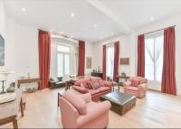 2 bed Flat in Hyde Park Gardens...