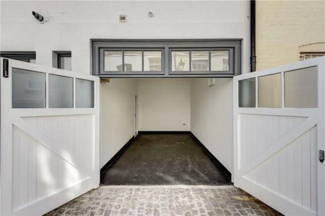 Garage: W2