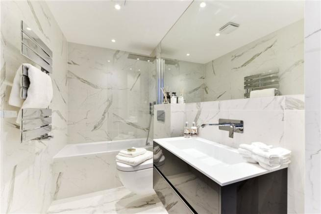 Bathroom: W2