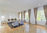 Gloucester Square Flat to rent