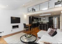2 bedroom Flat in Cleveland Square...