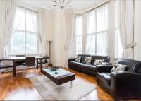 2 bed Flat in Westbourne Terrace...