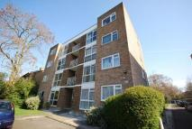 2 bed Flat to rent in Copers Cope Road BR3
