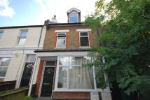 Avenue Flat to rent