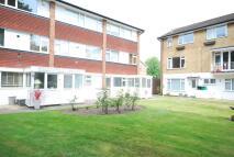 2 bedroom Flat to rent in Abbey Park Beckenham BR3