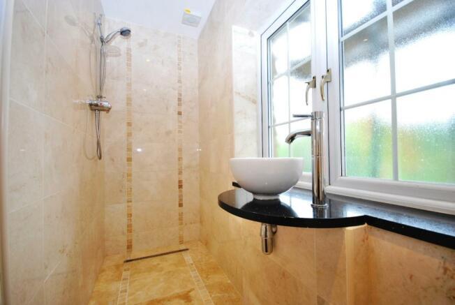 Wet Room EnSuite1