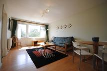 2 bed Flat to rent in Wydeville Manor Road SE12