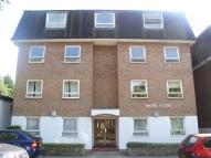 2 bedroom Flat to rent in Chinbrook Road Grove...