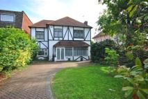 6 bed Detached house in Burnt Ash Hill Grove...