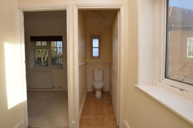 Upstairs WC with ...