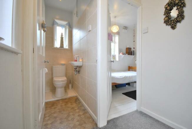Upstairs WC & Bri...