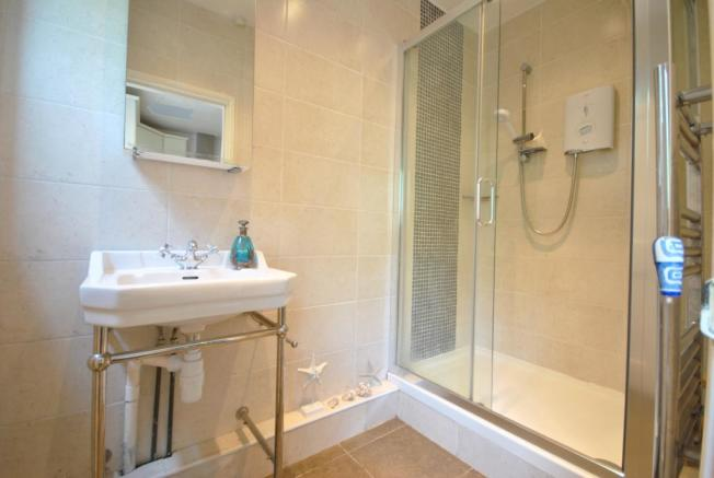 Double Shower Room