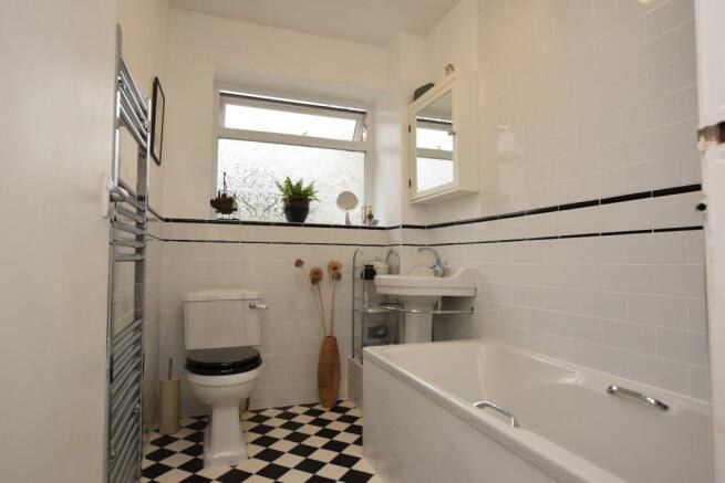 bathroom 004