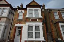 Flat in Davenport Road Catford...