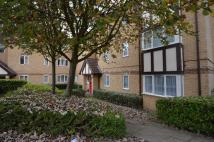 Flat to rent in Britton Close Catford SE6