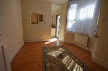 3 bed Terraced property in Glenwood Road Catford SE6