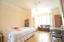 Flat to rent in Honley Road Catford SE6