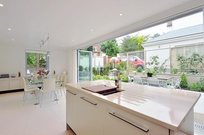 Kitchen/Breakfa...