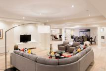 Flat for sale in Bird In Hand Passage...