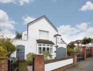 Detached home to rent in Perry Hill Catford SE6