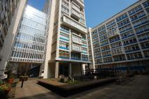 Flat for sale in Newington Causeway...