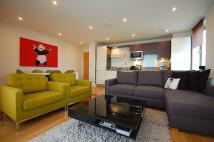 2 bedroom Flat to rent in Jamaica Road London SE1