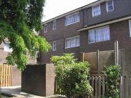 Flat to rent in Clifton Way Peckham SE15