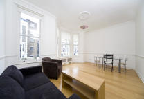 Flat to rent in Chesterton Road