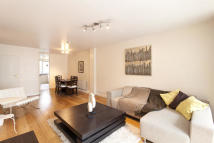 Flat to rent in Waterford House...