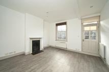 Flat to rent in Russell Gardens Mews